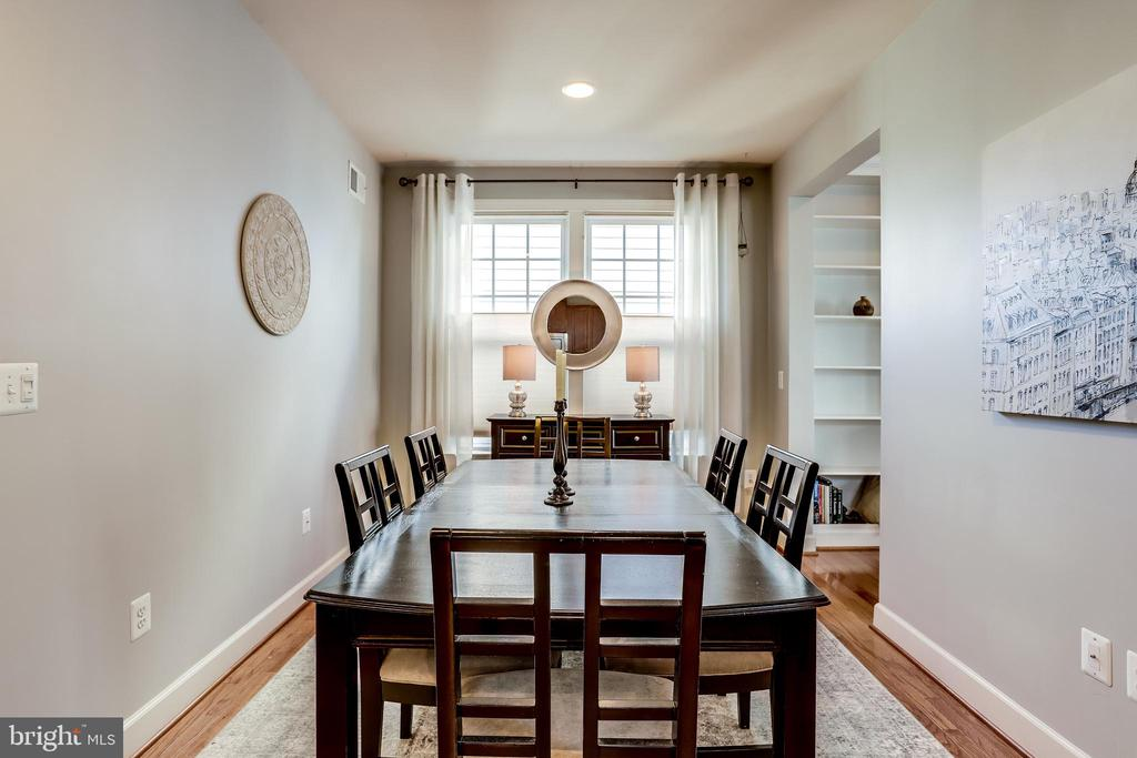 Formal Dining Room open to Kitchen - 100 PEARL ST, HERNDON