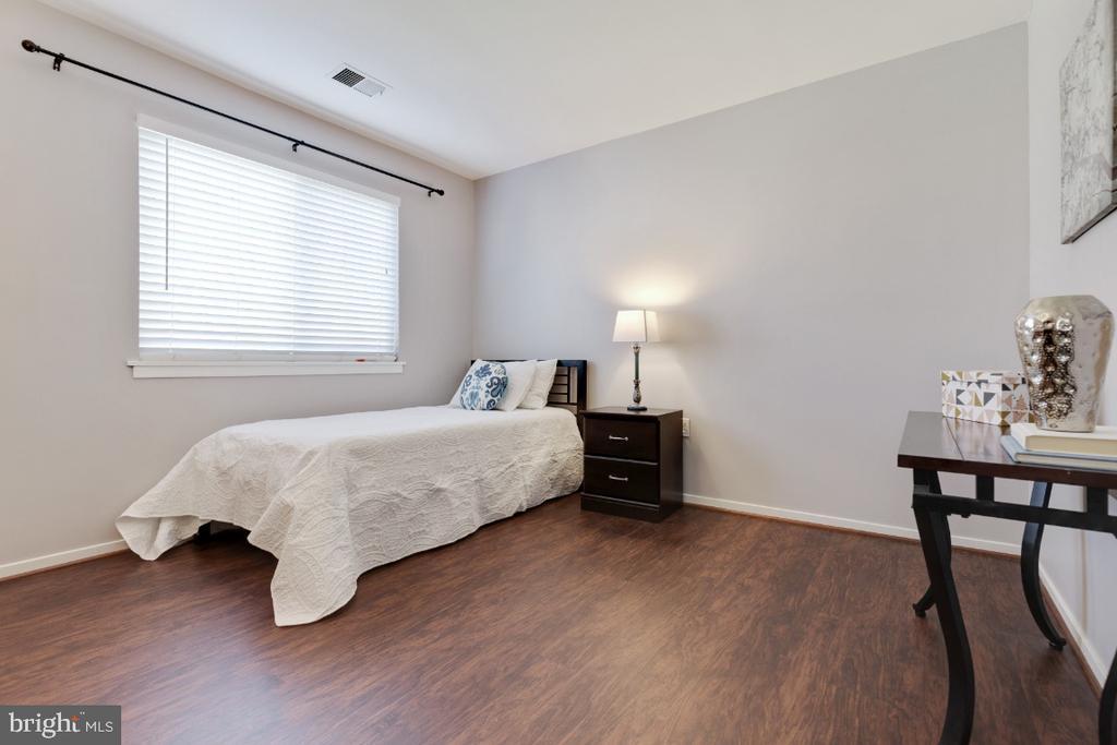 Bedroom 2 - 2828 JERMANTOWN RD #51, OAKTON