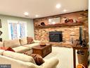 Play games & get cozy by the wood-burning stove - 11798 TARGET CT, WOODBRIDGE