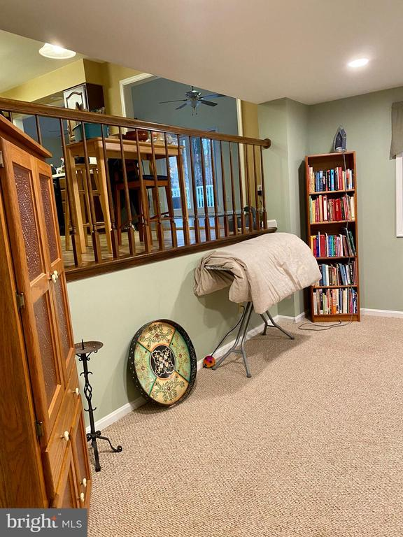 Very spacious Family Room-Watch TV from kitchen - 11798 TARGET CT, WOODBRIDGE