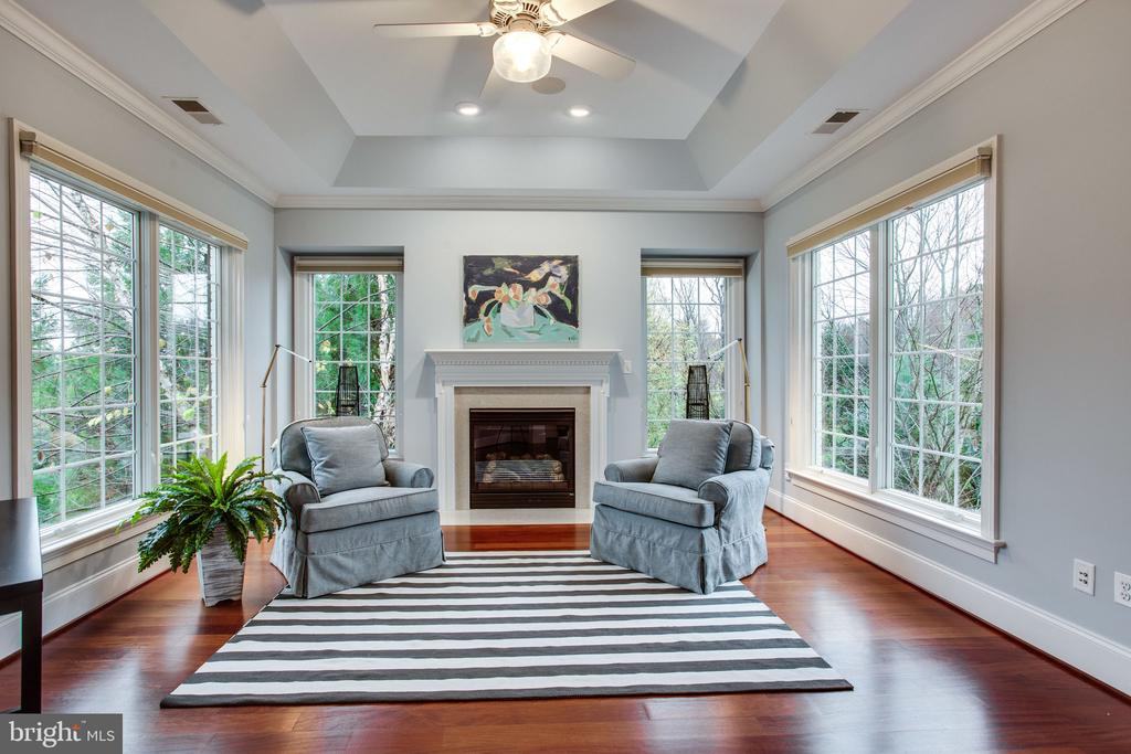 Retreat to the Sitting Room - 10464 SPRINGVALE MEADOW LN, GREAT FALLS
