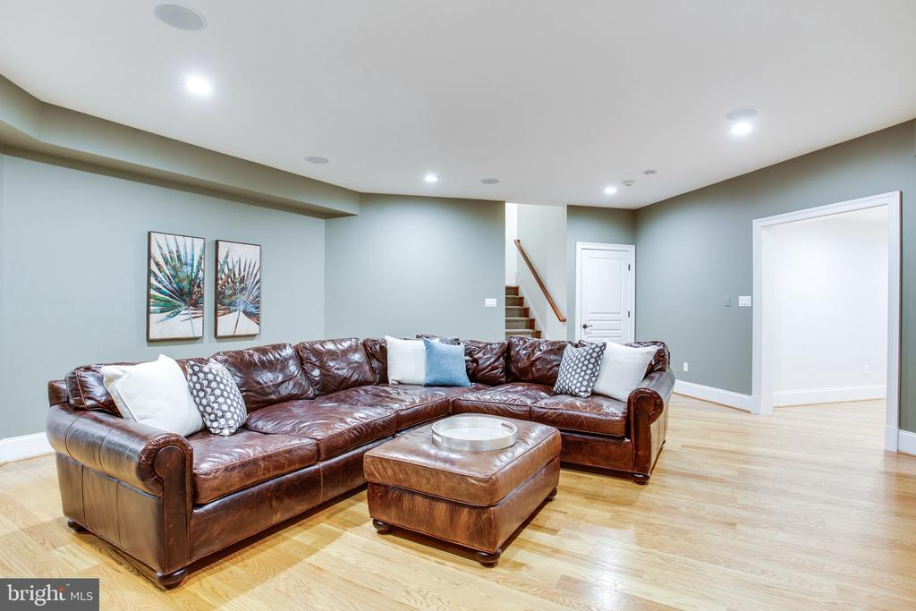 Convenient to 2nd staircase - 10464 SPRINGVALE MEADOW LN, GREAT FALLS
