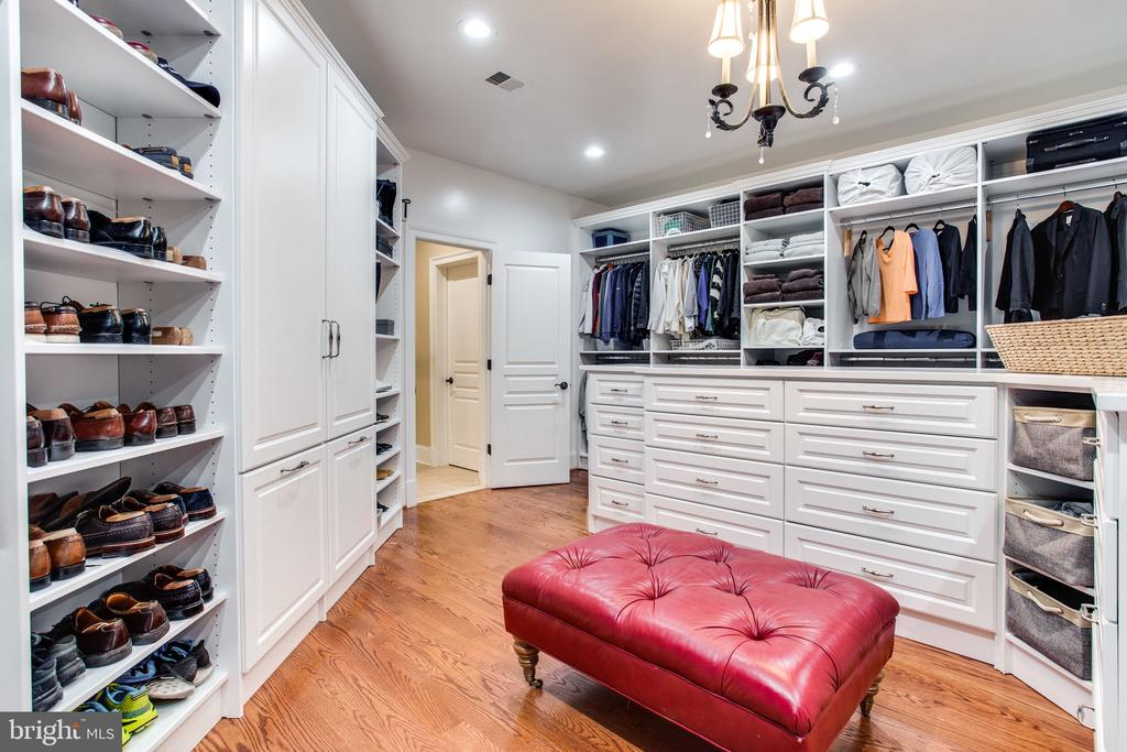 Room for everything! - 10464 SPRINGVALE MEADOW LN, GREAT FALLS