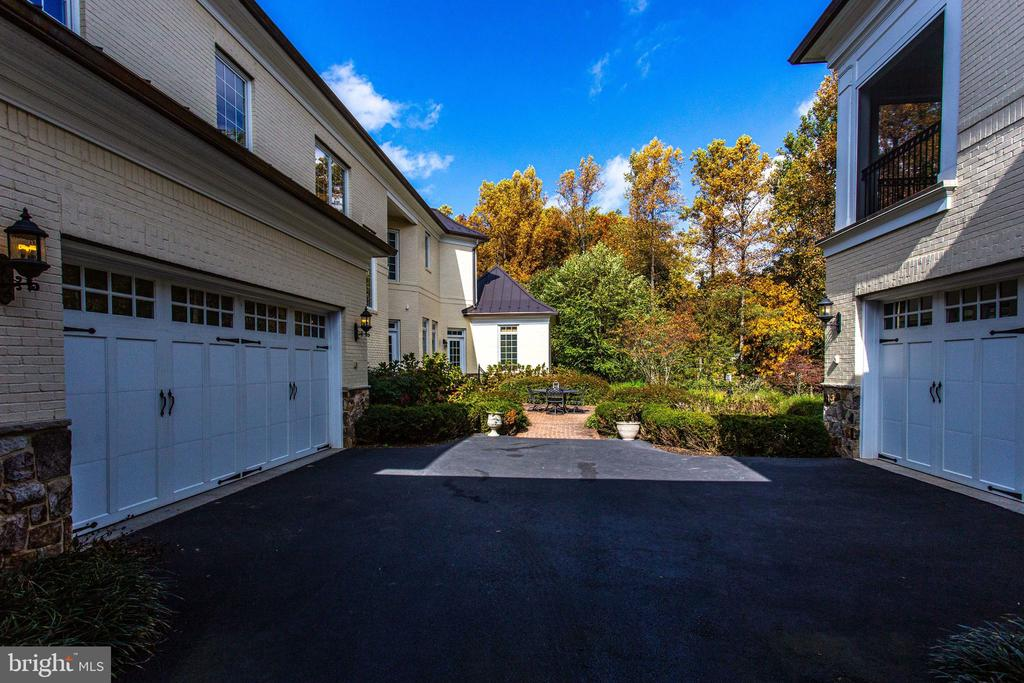Motor Court between Main & Guest House - 10464 SPRINGVALE MEADOW LN, GREAT FALLS