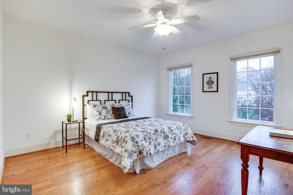 2nd Bedroom Suite - 10464 SPRINGVALE MEADOW LN, GREAT FALLS