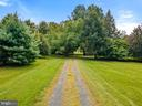 Charming gravel driveway - 501 W WASHINGTON ST, MIDDLEBURG