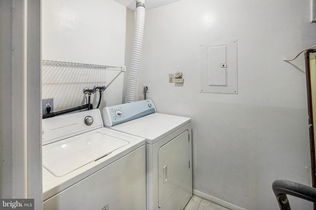 In unit Laundry! - 820 HEATHER RIDGE DR #21J, FREDERICK