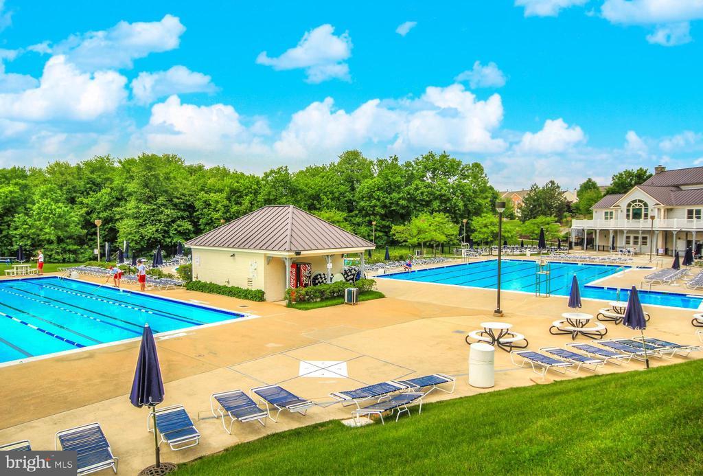 Spring Ridge Community Pools - 6287 IVERSON TER S, FREDERICK