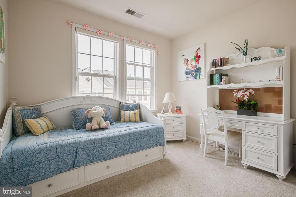 Bedroom #2 - 24677 LYNETTE SPRINGS TER #302, ALDIE