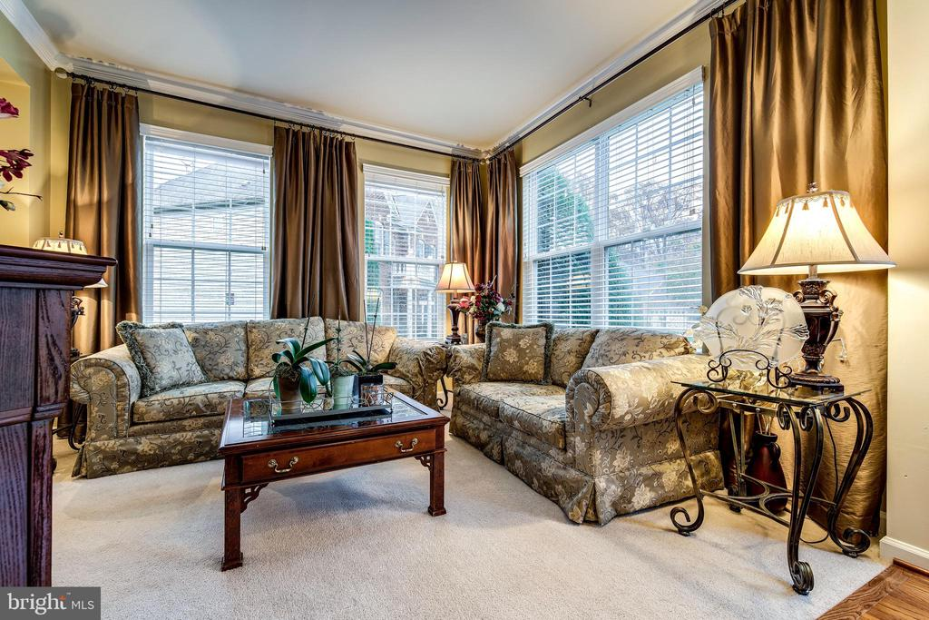 Living Room - 5408 BANTRY CT, WOODBRIDGE