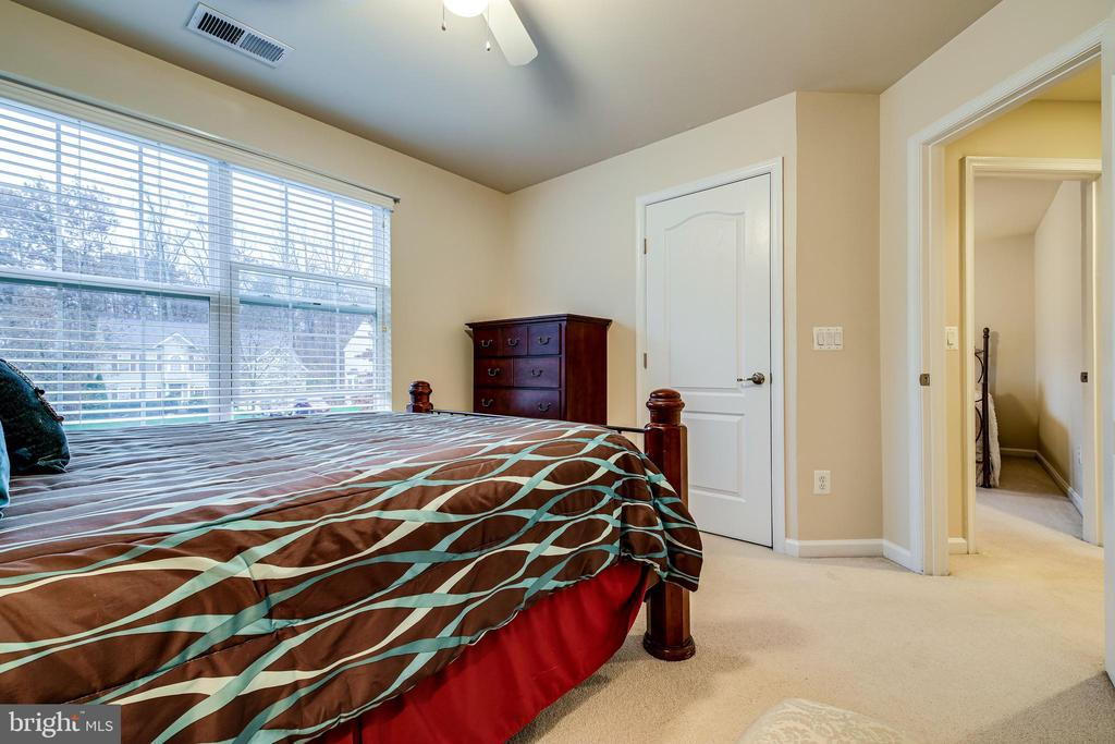 3rd Bedroom - 4th BR not shown due to storage - 5408 BANTRY CT, WOODBRIDGE