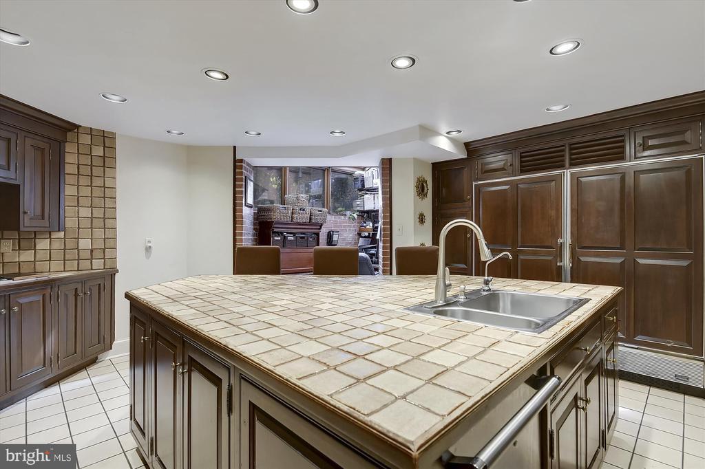 First-floor Chef's Kitchen - 2034 O ST NW, WASHINGTON