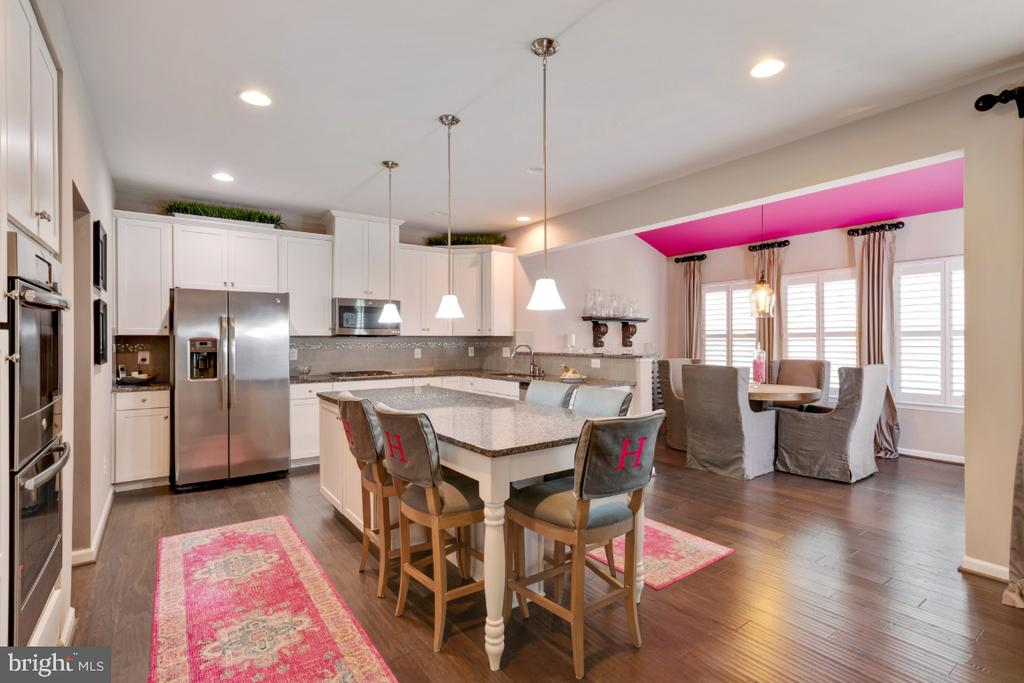 Upgraded cabinetry and granite countertops - 12377 MAYS QUARTER RD, WOODBRIDGE