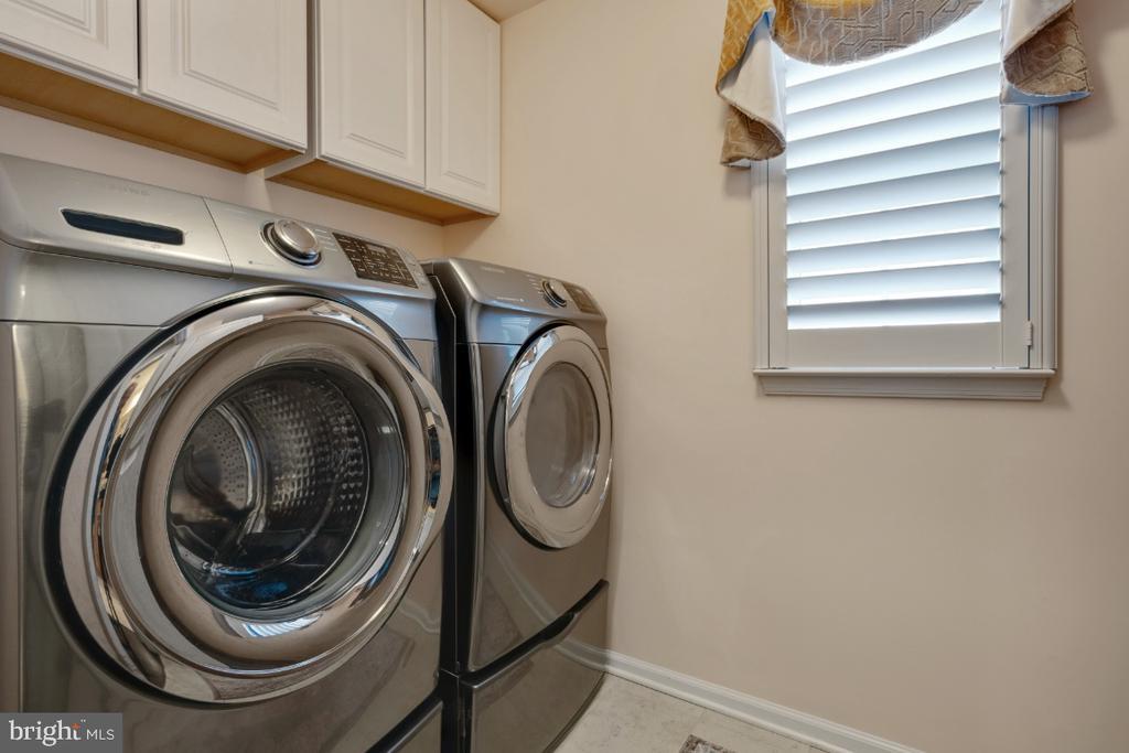 Laundry on the upper level - 12377 MAYS QUARTER RD, WOODBRIDGE