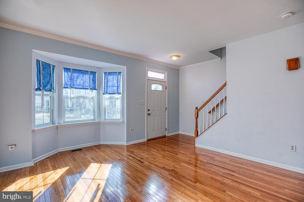 Plenty of natural light! - 23 CANDLERIDGE CT, STAFFORD