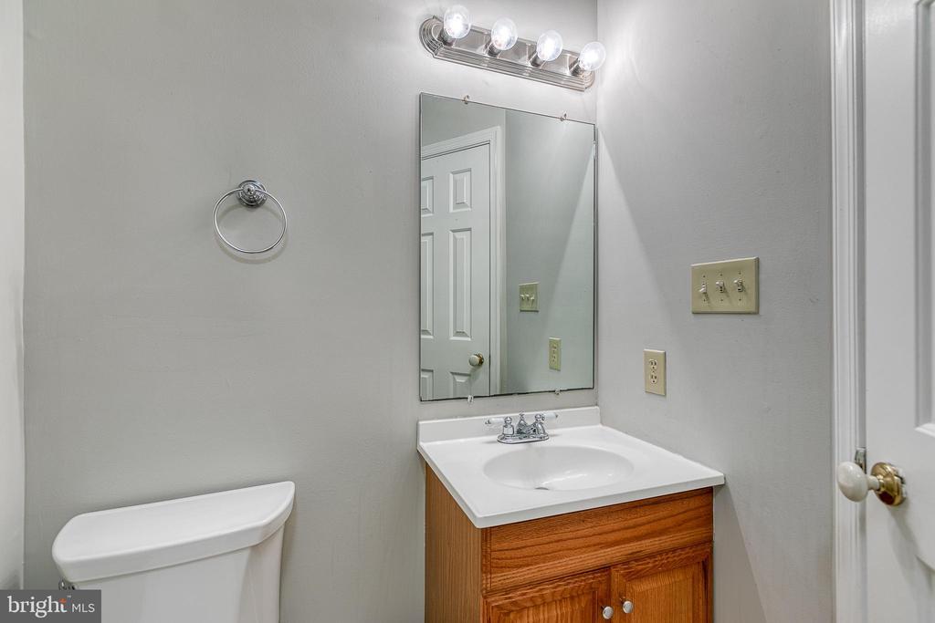 Half Bathroom in Basement - 3727 ROXBURY LN, ALEXANDRIA