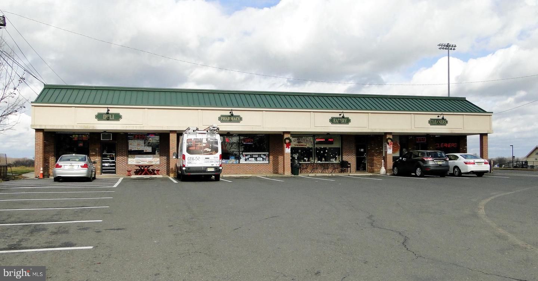 Розничная торговля для того Продажа на Bordentown, Нью-Джерси 08505 Соединенные Штаты