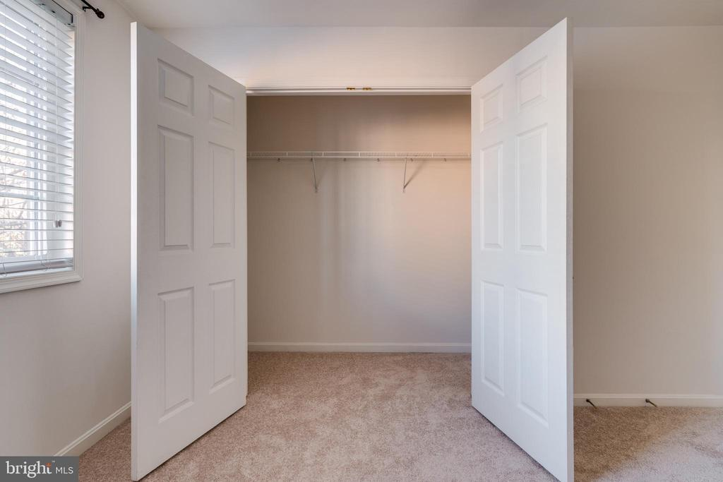 Large closet with plenty of space - 1403 N VAN DORN #C, ALEXANDRIA