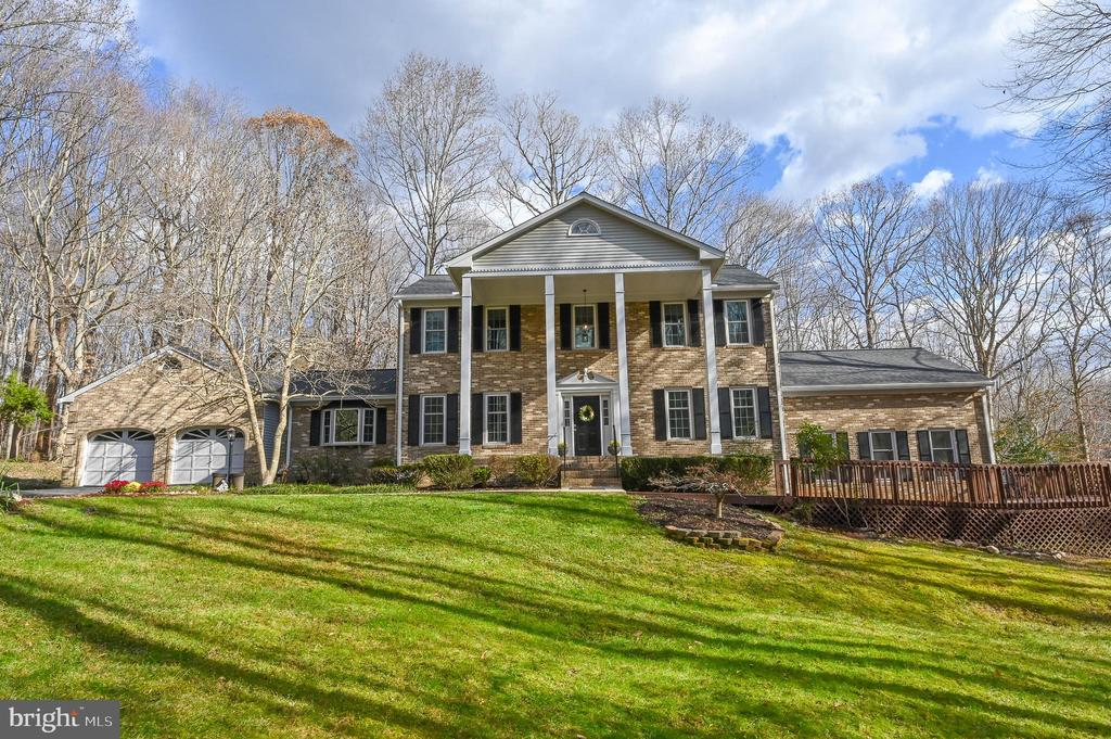 Stately Brick Front Georgian Colonial w/ Porch - 5040 CANNON BLUFF DR, WOODBRIDGE