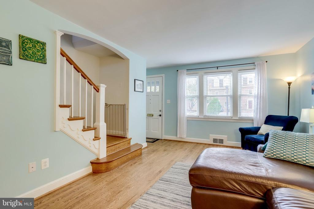 Beautiful hardwood floor - 501 S VEITCH ST, ARLINGTON