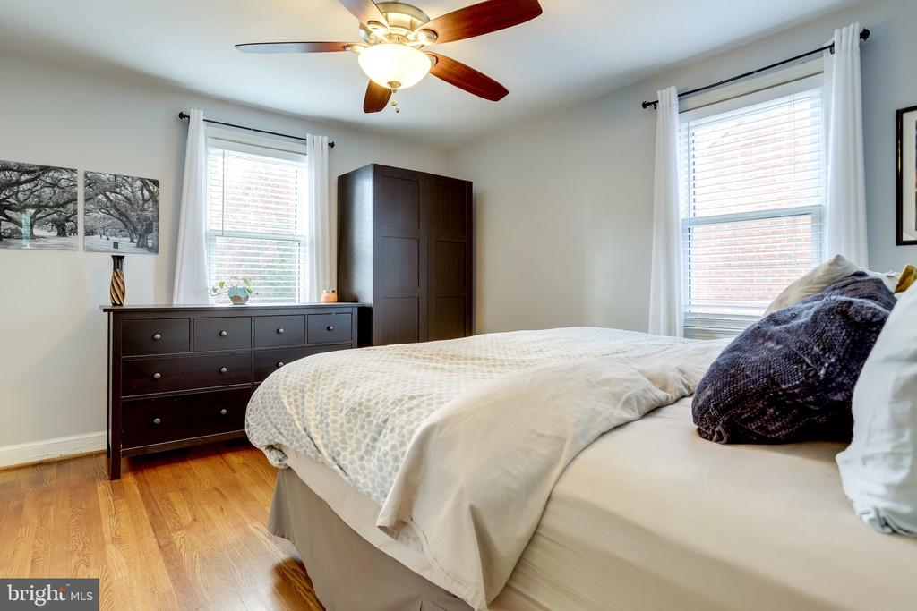 Owners bedroom - 501 S VEITCH ST, ARLINGTON