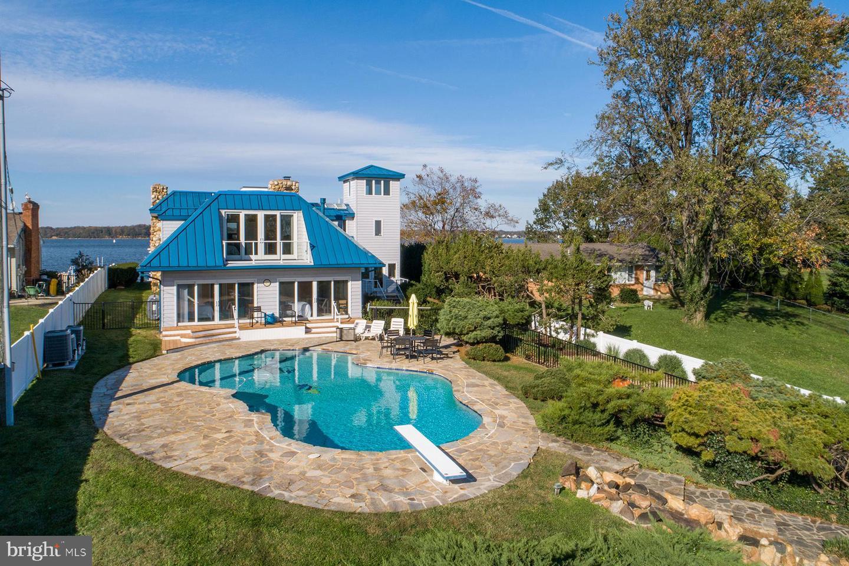 Single Family Homes por un Venta en Edgewater, Maryland 21037 Estados Unidos
