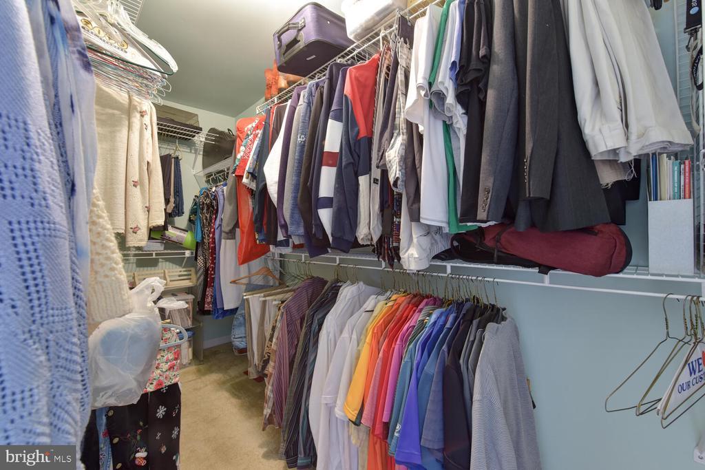 Walk in Closet - 1334 CASSIA ST, HERNDON
