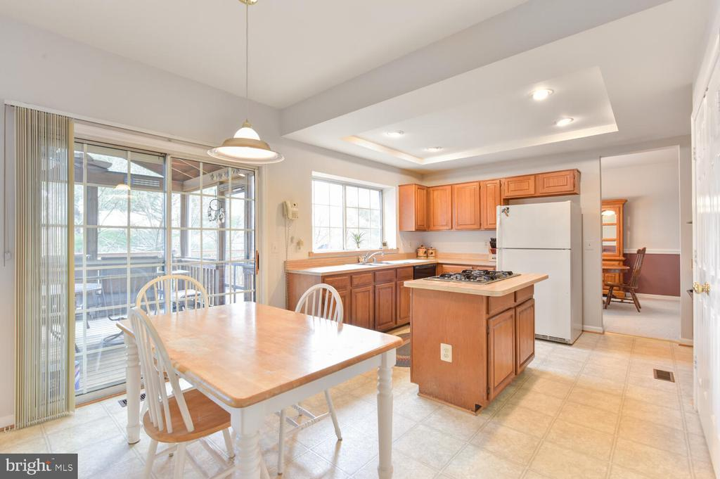 Eat in kitchen - 1334 CASSIA ST, HERNDON