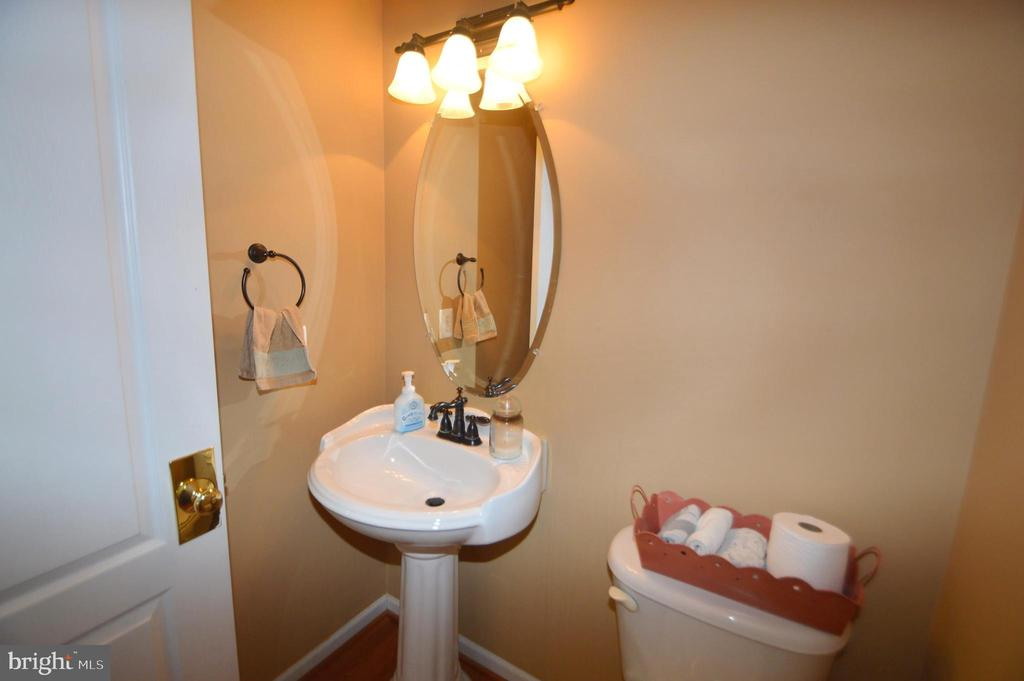 Half Bath - 25761 KAISER PL, CHANTILLY