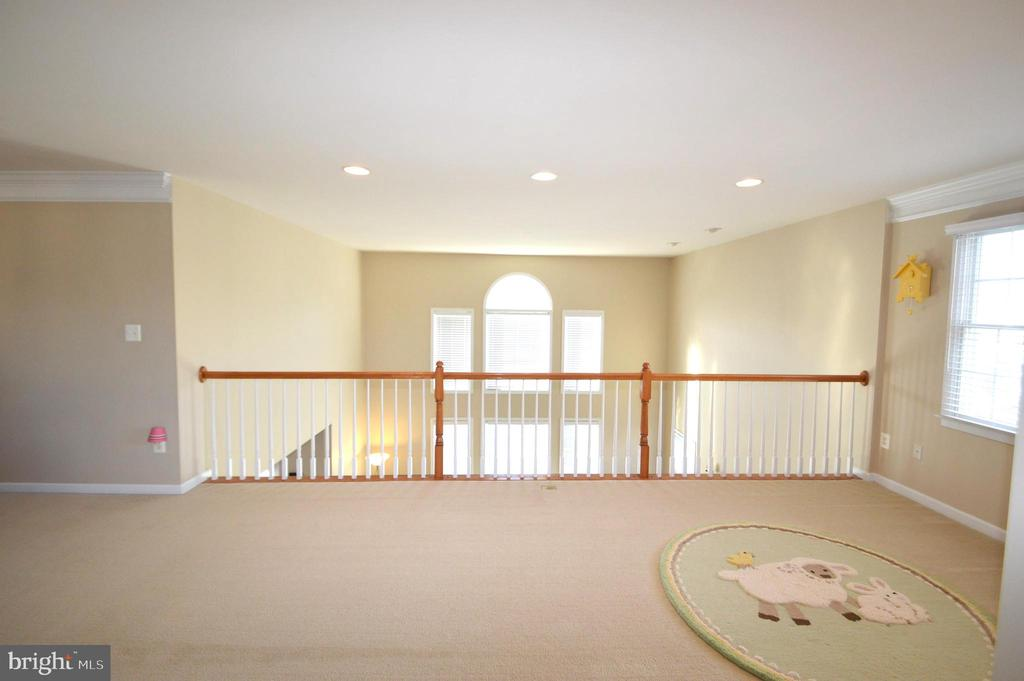 Loft - 25761 KAISER PL, CHANTILLY