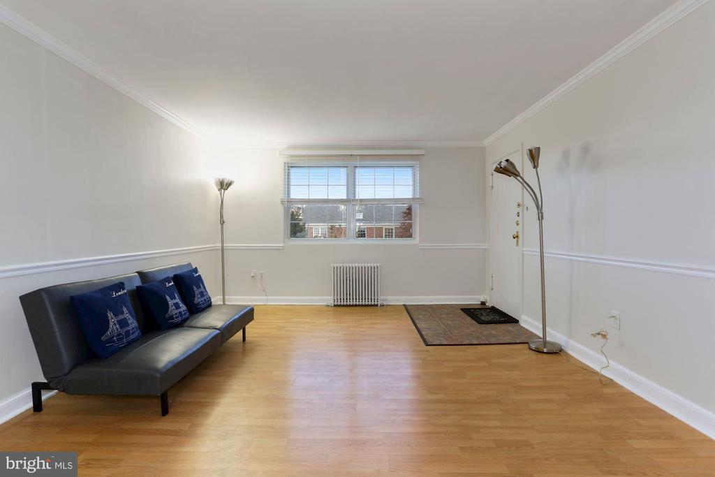 Living room - 5318 8TH RD S #6, ARLINGTON