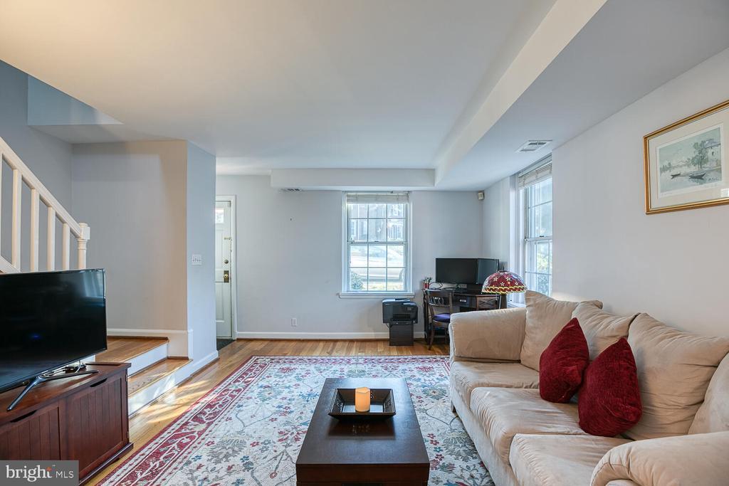 Living Room - 2923 S DINWIDDIE ST, ARLINGTON