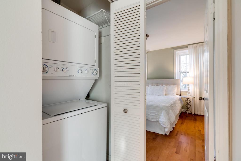 Washer & Dryer closet - 2968 S COLUMBUS ST #C2, ARLINGTON