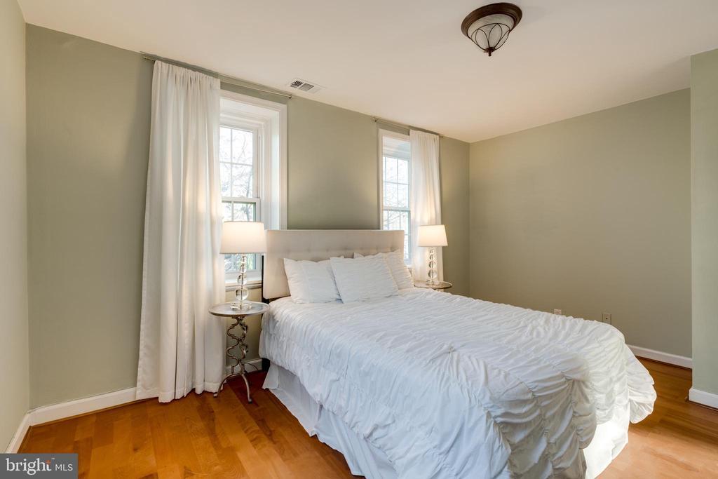 Bedroom one - 2968 S COLUMBUS ST #C2, ARLINGTON