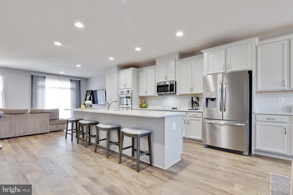 Kitchen to Living Room - 10517 RATCLIFFE TRL, MANASSAS