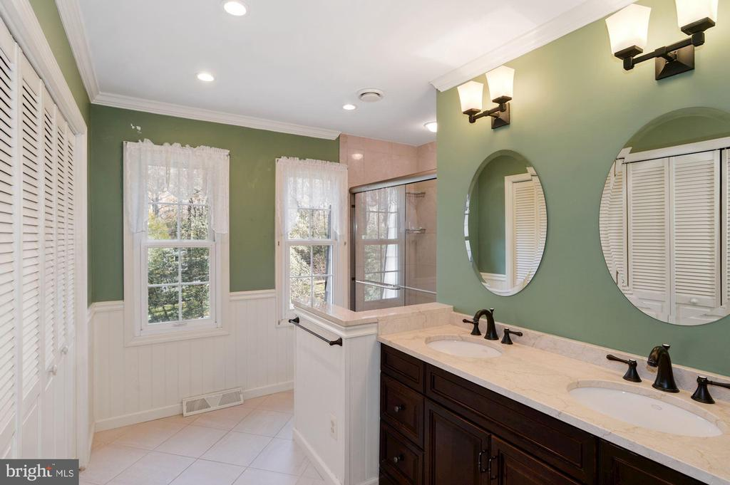 Remodeled Primary Bath - 2605 SOAPSTONE DR, RESTON