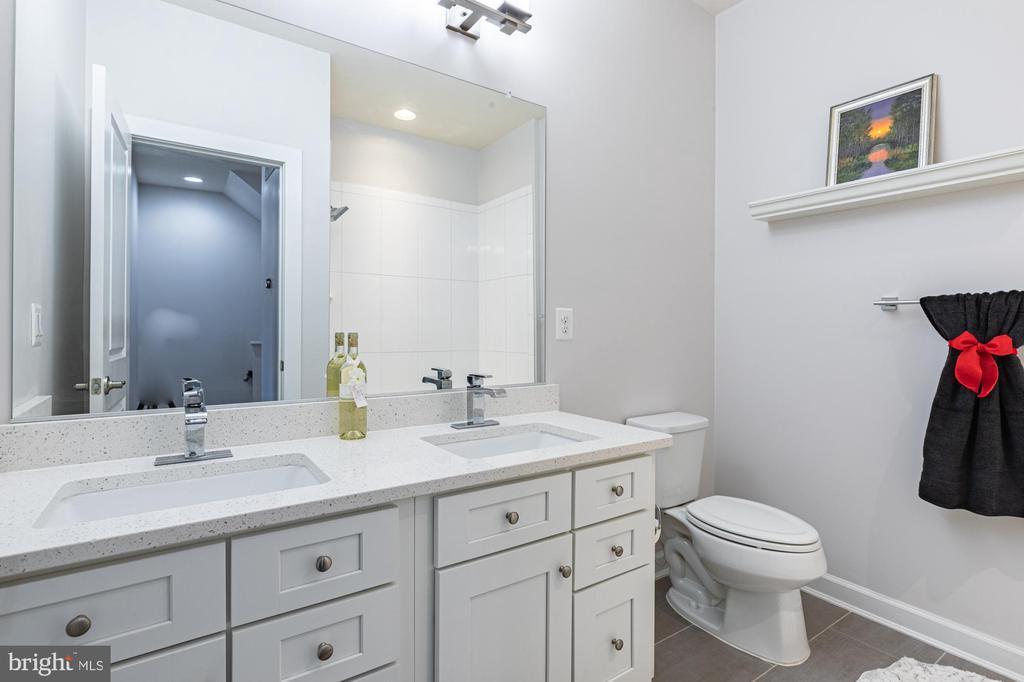 Double sink quartz vanity and tub showerBath #2 - 3167 VIRGINIA BLUEBELL CT, FAIRFAX
