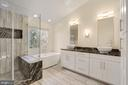 Primary Bath Fully Updated, Double Vanities - 47208 REDBARK PL, STERLING