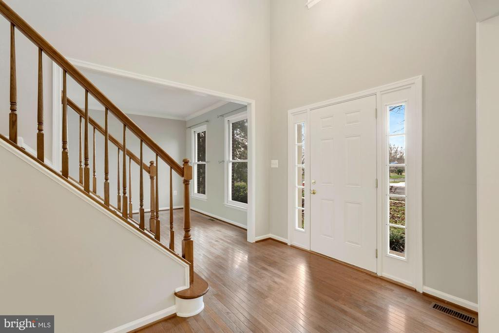 Open Floor Plan - 47208 REDBARK PL, STERLING