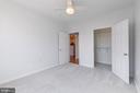 Brand new bedroom carpeting. Big walkin closet - 11326 ARISTOTLE DR #4-303, FAIRFAX
