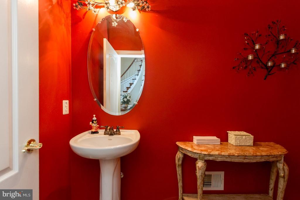 Powder Room - 40732 CHEVINGTON LN, LEESBURG