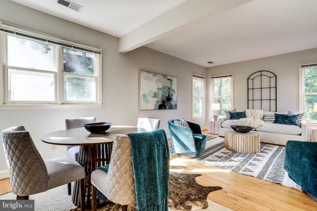 Light filled breakfast and family room - 3412 ALABAMA AVE, ALEXANDRIA