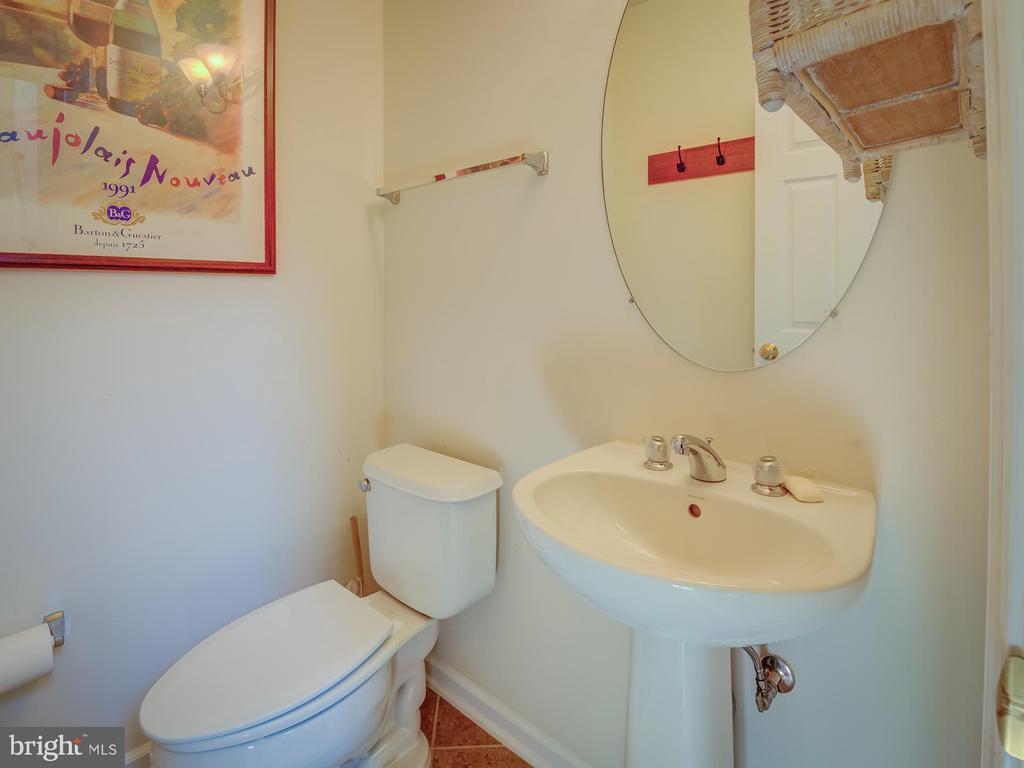 Main Level Half Bath - 20375 BELMONT PARK TER #118, ASHBURN