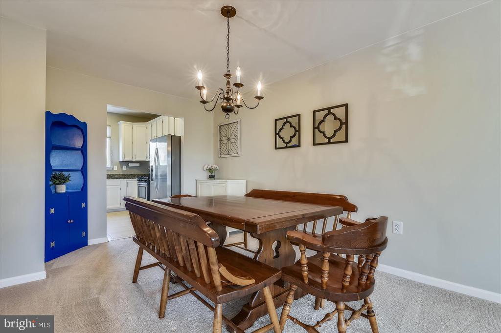 Formal dining room - 20872 DERRYDALE SQ, STERLING