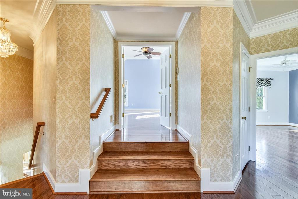 Entrance to Bedroom - 25542 MIMOSA TREE CT, CHANTILLY