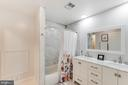 Fabulous updated second bathroom - 6922 ELLINGHAM CIR #122, ALEXANDRIA