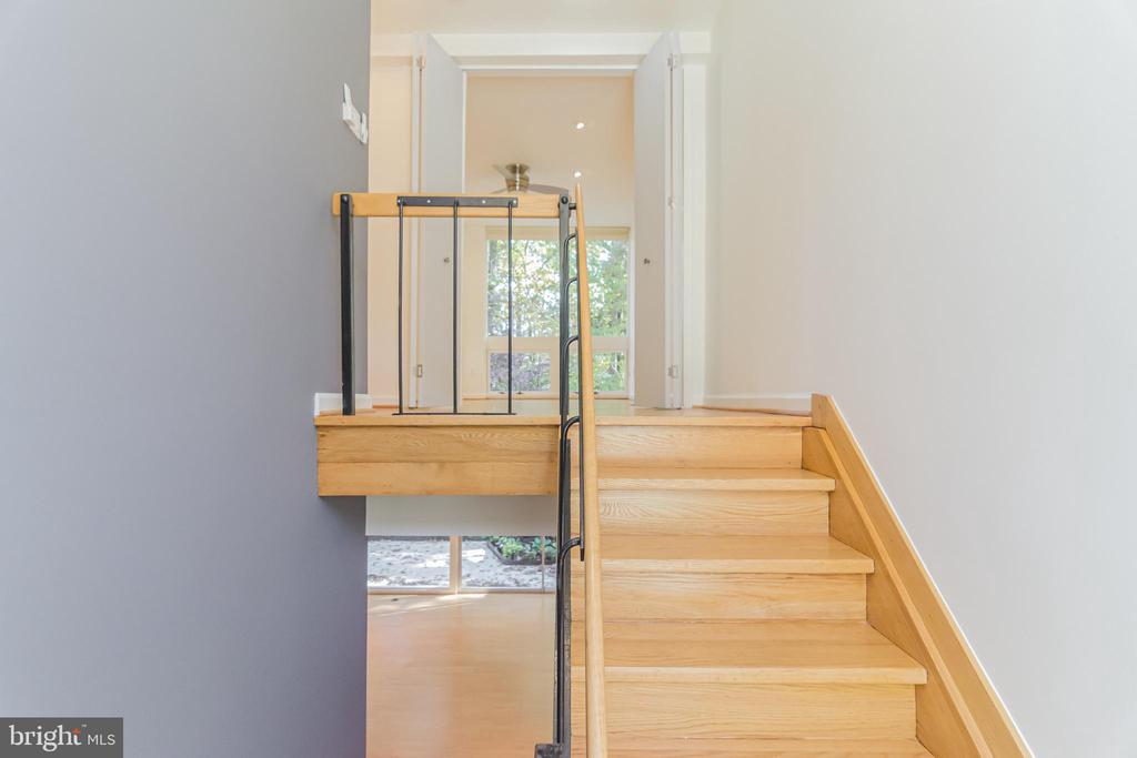 Stairway to Upper Level - 11503 MAPLE RIDGE RD, RESTON