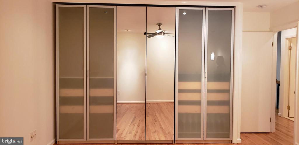 Three big wardrobes to organize your clothes - 11503 MAPLE RIDGE RD, RESTON