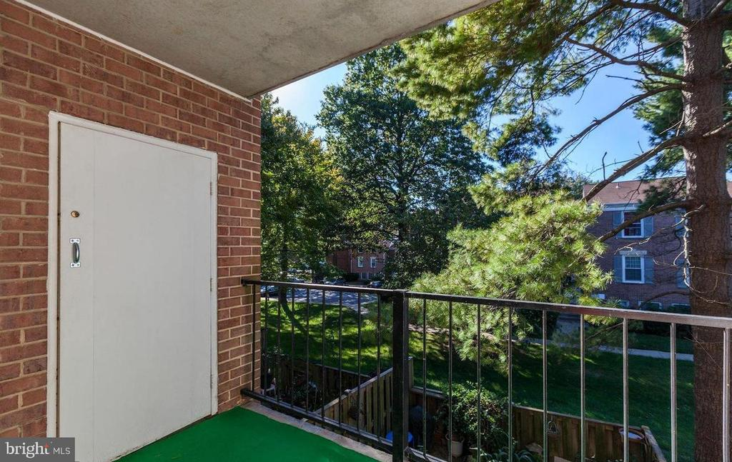 Balcony - 816 QUINCE ORCHARD BLVD #102, GAITHERSBURG