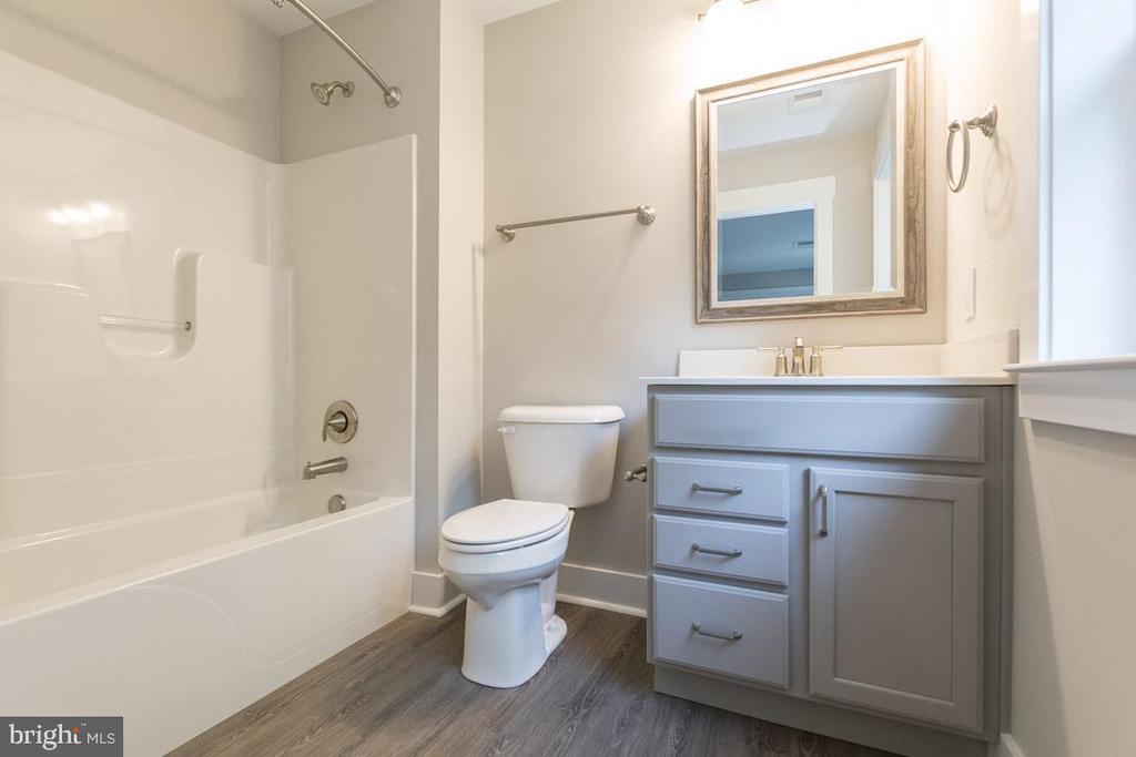 2nd full bath on upper level. - 6789 ACCIPITER DR, NEW MARKET